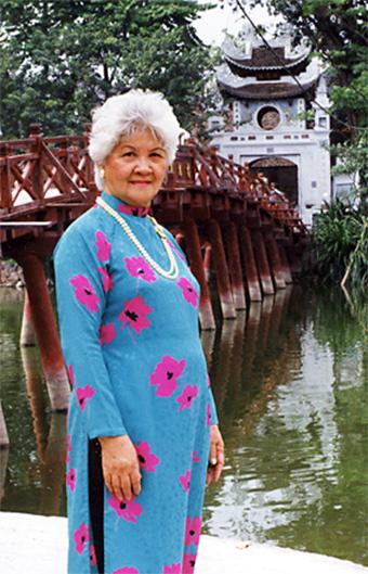 pict phu-nhan-co-vo-su-nguyen-loc 1999